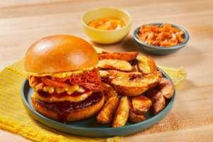 BBQ cheddar pork burgers, HelloFresh