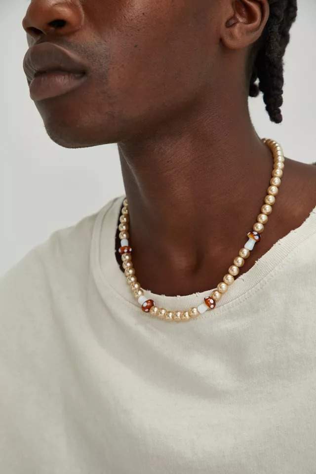 Urban-Outfitters-Mushroom-and-Pearl-Necklace