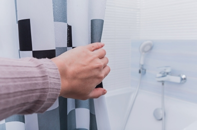 how-to-clean-a-shower-curtain-featured