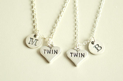 necklaces for twins, best gifts for twins